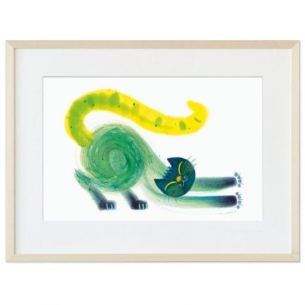 We zien een kat. In prachtige kleuren. Groen, blauw en geel op een witte achtergrond. Het lijnenspel doet mee en draagt bij aan de indruk van beweging in deze illustratie. Dit uitgeslapen dier rekt zich uit. Languit. Nagels uit. Het is ochtend, de wereld is fris. Goedemorgen.